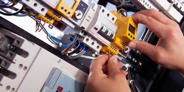 electric-4198293_1920